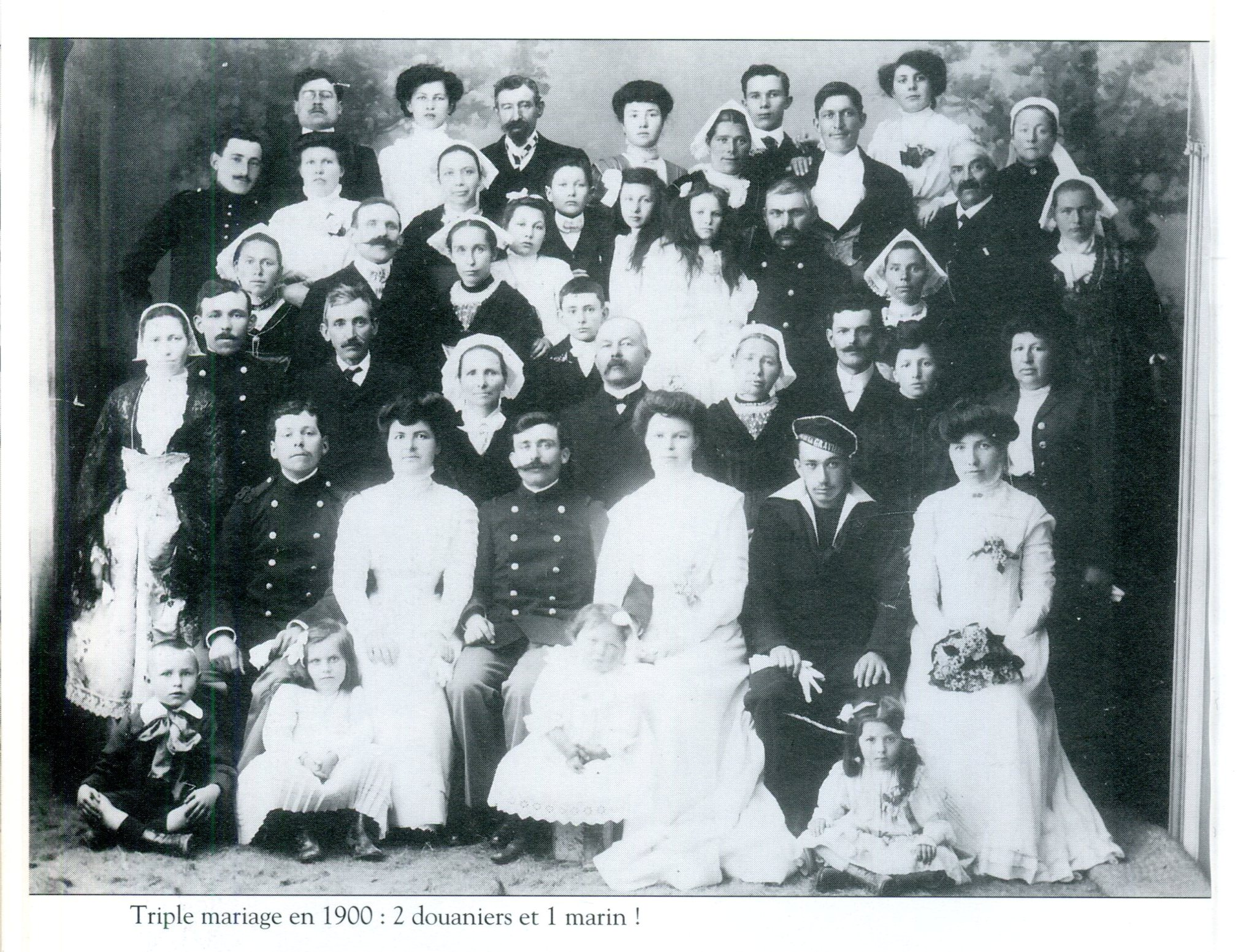 1900 noces 2 douaniers 1 marin
